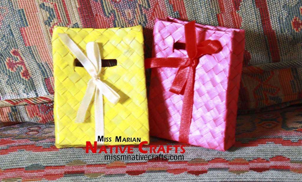Colored palm leaf bags wedding favors