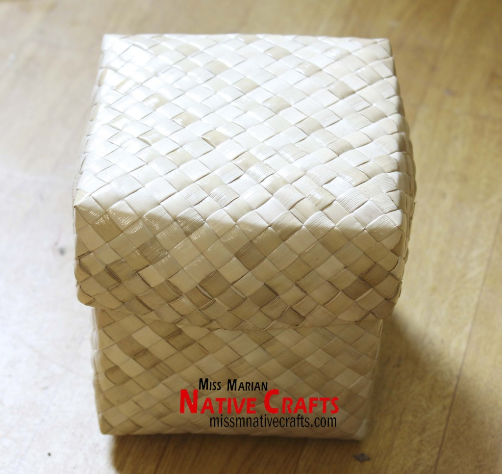 11 CM lauhala Box with Smaller Lid