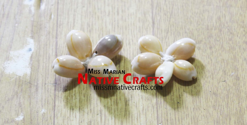 Cowry Shell flower for leis